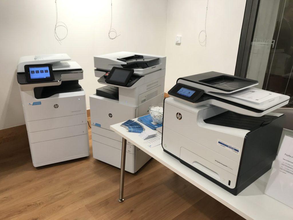 Tiskárny hp A3 a A4 byly připraveny k testování.